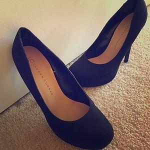 Never worn black suede heels